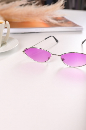 - AKS-17052 Gümüş Kedi Göz Çerçeve Mor Cam Güneş Gözlüğü (1)